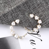 Korean-Style Lovely Anti-Pearl Earrings Female 925 Silver Pin Simple and Versatile C-Shaped Moon Earrings Small Jewelry 138894