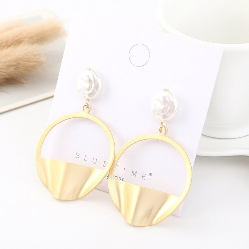 European and American Retro Cool Pearl Earrings Female Fashion All-match Stud Earrings S925 Silver Needle 140561