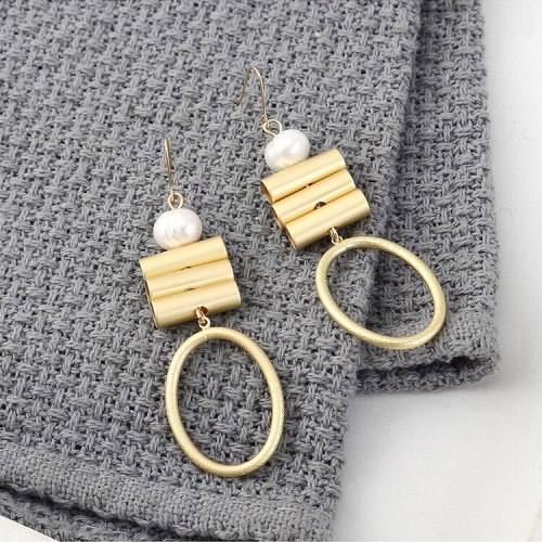 New European and American Simple and Versatile Geometric Hollow Earrings Women's Natural Pearl Ear Rings 140020