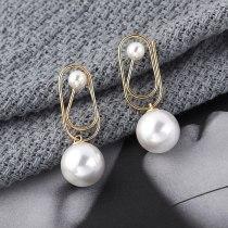 Korean New Creative Cool Paper Clip Earrings Women's Simple Pearl Earrings Sterling Silver Stud Earrings Anti-Allergy 138907