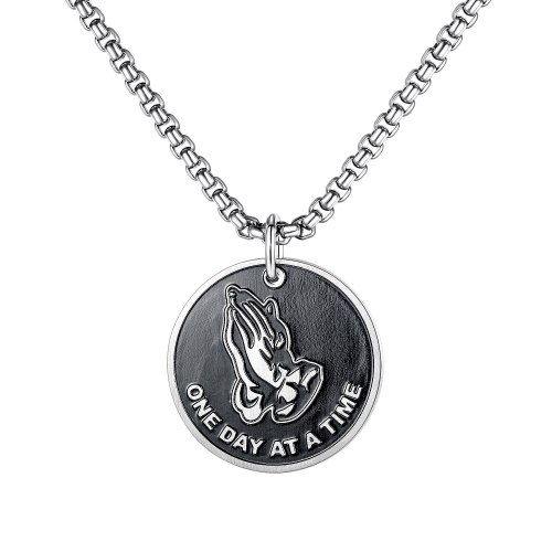 Europe Tide Card Prayer Hand Scripture Necklace Men Titanium Steel Personality Simple Pendant Hip-hop Street Jewelry Gb1746