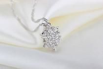 Korean style diamond pendant with crystal snowflakes