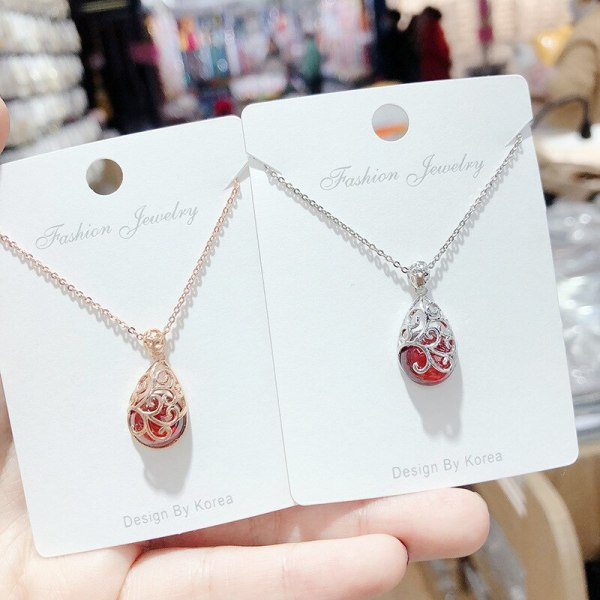 Women's Korean-Style Ruby Necklace Rose  Pendant Clavicle Chain Simple Graceful Fashion Fashionmonger  Ornament yh068