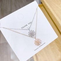 Korean Style Simple Elegant Fresh Windmill Clavicle Chain Necklace Snowflake Rotating Smart Necklace for Women