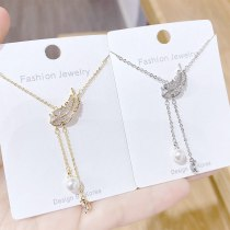 New Leaf Necklace Double Leaf Clavicle Chain Pendant European Ins Style Pearl Necklace Jewelry Female Jewelry Wholesale