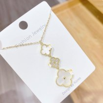 Hot Fashion White Shell Clover Necklace Women's Fashion Simple Ins Elegant Clavicle Chain Pendant Jewelry