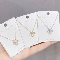 New Little Flower Diamond Necklace Clavicle Chain Female Fashion Ins Petal Pendant Ornament