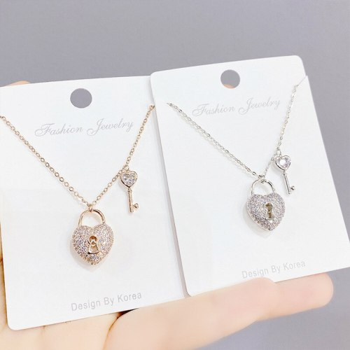 Peach Heart Lock Key Necklace European Style Fashionable Elegant Exaggerated Women's Clavicle Chain Pendant Necklace Wholesale