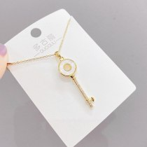 Japanese and Korean Simple Key Necklace Female Clavicle Chain Fashion Ornament Shell Pendant Ornament Wholesale