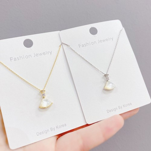 Small Skirt Necklace Women's Fashion Fan-Shaped Clavicle Chain Pendant White Shell Fan-Shaped Item Jewelry Wholesale