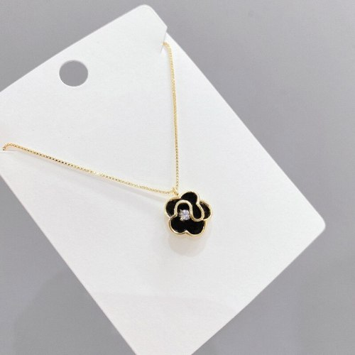 Korean Fashionable Retro Drop Oil Petal Necklace Women's Gold Plated Clavicle Chain Micro Inlaid Zircon Necklace Jewelry
