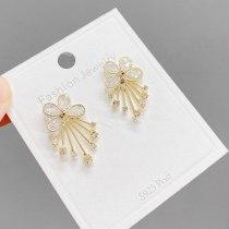 Korean Style Ins Zircon Petal Tassel Stud Earrings Fashionable Elegant Earrings Slimming S925 Silver Needle Earrings for Women