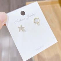 Sterling Silver Needle Micro Inlaid Zircon Shell Starfish Stud Earrings Asymmetric Graceful and Cute Star Earrings Female
