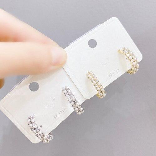 Korean Pearl Sterling Silver Needle Stud Earrings Women's Fashion Design Net Red Simple and Short Earrings Jewelry