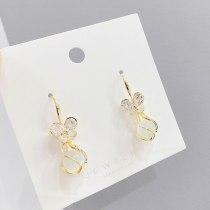 Sterling Silver Needle Korean Cat Eye Earrings for Women Petal Stud Earrings Online Influencer Eardrops New Trendy Earrings