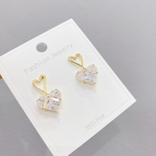 Sterling Silver Needle Zircon Shining Diamond Stud Earrings Peach Heart Graceful and Petite Minimalist Creative Earrings