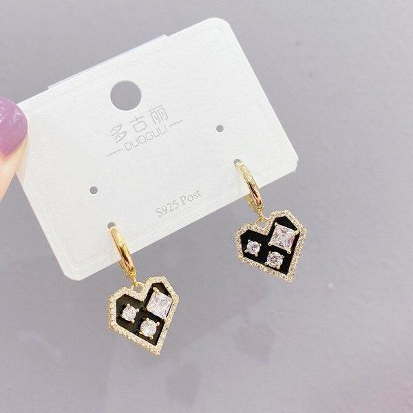 Korean Fashion Simple Micro Inlaid Zircon Stereo Peach Heart Earrings Special-Interest Design Temperament Ear Clip Women