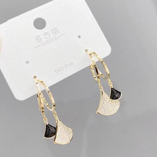 Sterling Silver Needle Internet Celebrity Fan-Shaped Small Skirt Stud Earrings Simple Full Diamond Earrings French Earrings