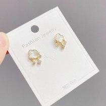 Korean Style Clover Shell Fritillary Stud Earrings for Women Graceful Earrings Gold Sterling Silver Needle Anti Allergy Jewelry