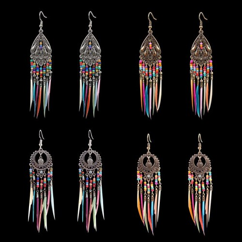 New round Hollow Exquisite Earrings Bohemian Fashion Feather Tassel Earrings Exotic Ornament Wholesale