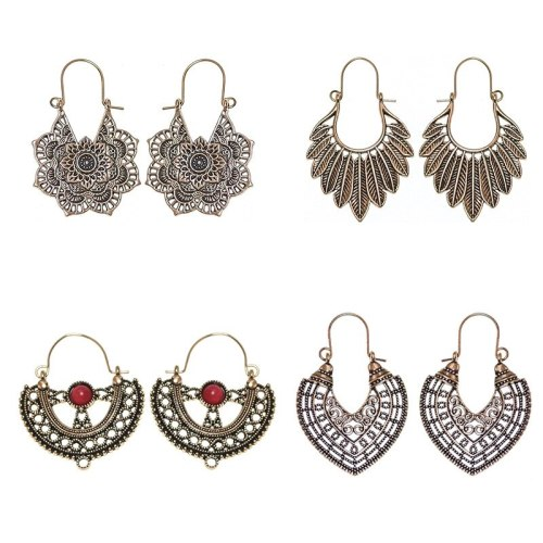 Ethnic Style Baroque Earrings Women 'S Exotic Hollow Carved Accessories Bohemian Palace Style U-Shaped Ornament