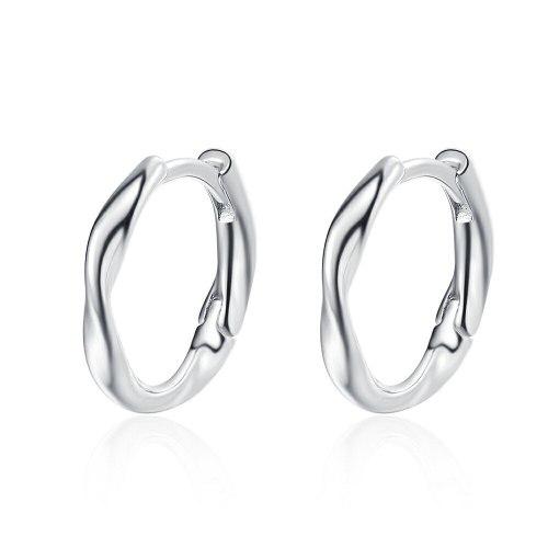 Korean Style Simple Small Twisted Wave Ear Clip Women's Elegant Glossy Ear Ring Earrings Xzeh638