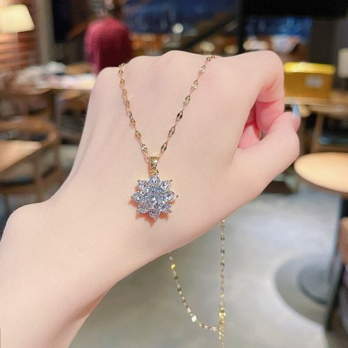 Heavy Industry Super Flash Large Zircon Pendant Titanium Steel Necklace Geometric Ins Popular Net Red Same Style Clavicle Chain