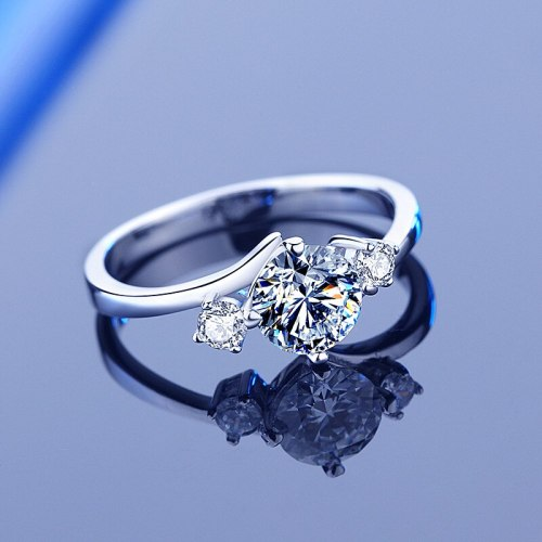 European and American Classic S925 Sterling Silver Moissanite Ring Women's Four-Claw 1 Karat Proposal Gift Diamond Ring