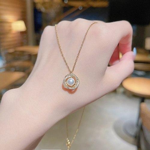 2021 New Elegant Pearl Necklace Female Fashion Design Sense Diamond Inlaid Clavicle Chain Pendant Tide Necklace