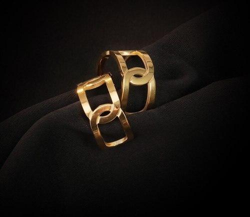 E135 European and American Geometric Simple Metal Hollow Stud Earrings Titanium Steel Plated 18K Gold Earrings