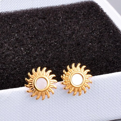 E129 French Style Temperament Sun Smiley Face White Shell Earrings Titanium Steel 18K Gold Plating Fashion Ear Rings Earrings