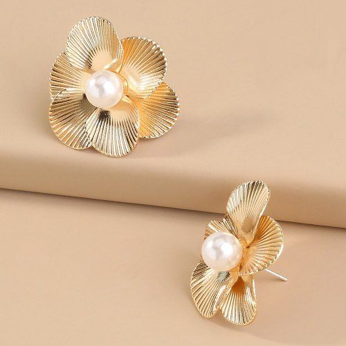 Europe and America Foreign Trade Gold Metal Pearl Flower Earrings Fashion All-Match 6-Flap Cover Earrings & Stud Earrings Women