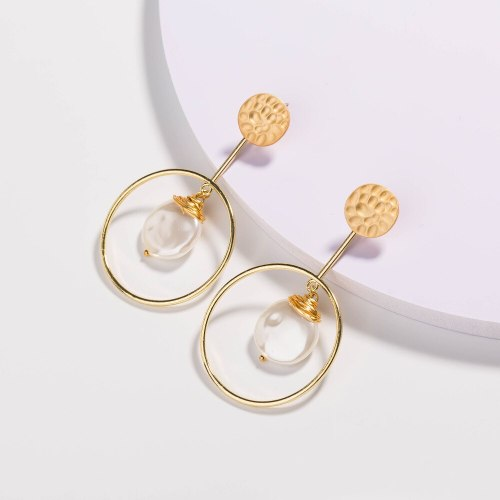European and American Style Metal Shaped Earrings Fashionable Imitation Natural Pure White Flat Pearl and Hoop Earrings