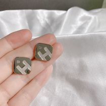 Korean Style 925 Silver Needle High-Grade Letter Shell Stud Earrings Simple and Compact Square Earrings Elegant Lady Earrings