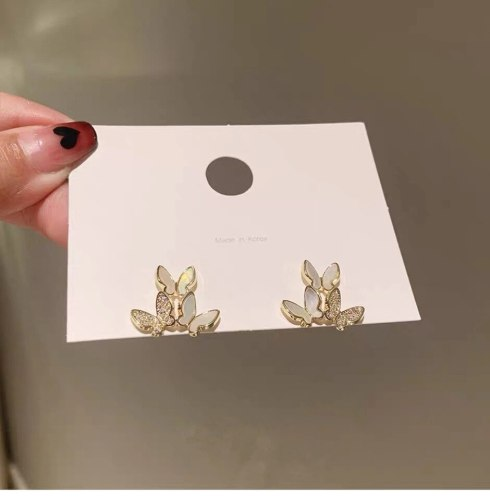 Net Red Wind Beautiful Butterfly Zircon Earrings Lady Elegant Fashion Fairy Shell Earrings Sterling Silver Needle