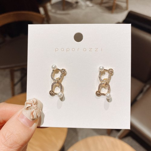 Cross-Border New Arrival Retro Ornament Creative Niche Geometric Zircon Earrings Fashion Stitching Earrings Wholesale