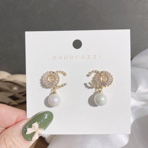 Korean Style Light Luxury Design Sense Earrings Retro Xiaozhongwang Red Style Zircon Earrings Silver Needle Commuter Earrings