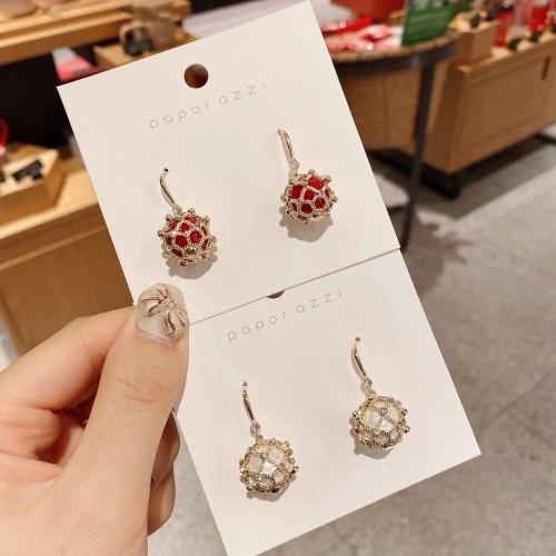 New Year Red Earrings Fashion Retro Hollow Hydrangea Earrings Gold Plated Temperament Banquet Earrings for Women