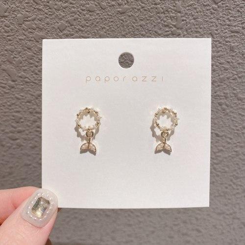 Korean New Sterling Silver Needle Fishtail Earrings Special-Interest Design Vintage Pearl Personalized Earrings