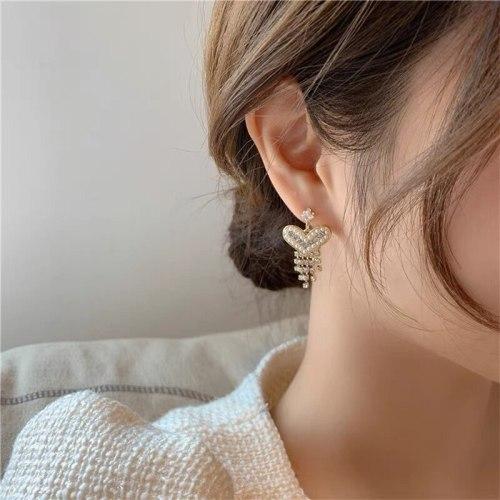 Internet Celebrity Same Fashion Love Hand-Made Tassel Earrings Pearl Elegant Sterling Silver Needle Zircon Earrings for Women