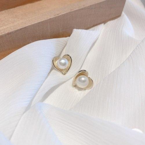 Sweet Niche Ins Style Freshwater Pearl Ear Studs Internet Celebrity Elegant Heart Silver Pin Earrings Simple Earrings for Women