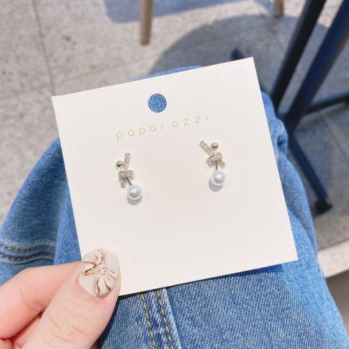 Korean Style Fashion Knot Zircon Fashion Stud Earrings for Women Sterling Silver Needle Small Pearl Online Influencer Earrings