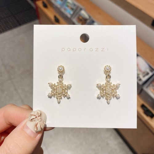 Sterling Silver Needle European and American Retro Personalized Snowflake Earrings French Fashion Pearl Dripping Stud Earrings