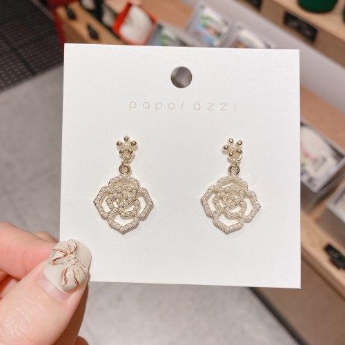 Silver Stud Earrings Women's Vintage Rose Pearl Handmade Earrings Internet Celebrity Personalized and Simple Earrings Wholesale
