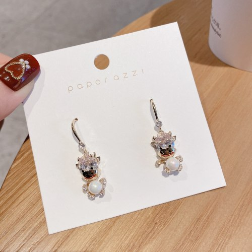 Creative Calf Earrings for New Year Gold Plated Inlaid Zircon Graceful and Fashionable Pearl Earrings Cross-Border Sold Jewelry