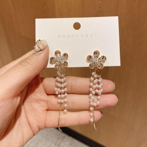 Korean New Retro Tassel Flower Pearl Earrings Gold Plated Fashion Personalized Long Earrings Popular on Web Women