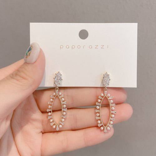 European and American Personalized Geometric Zircon Dangle Earrings Ins Same Pearl Silver Pin Eardrops Bride Luxurious Earrings
