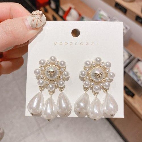 New French Retro Earrings Temperament Cross-Border Pearl Earrings Exaggerated Light Luxury Earrings for Bride