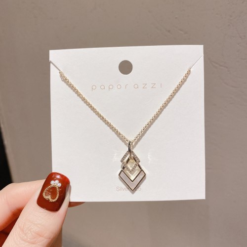 New SIMPLE Diamond-Shaped Hollow Clavicle Chain Inlaid Zircon Elegant Gold-Plated Shell Necklace for Women