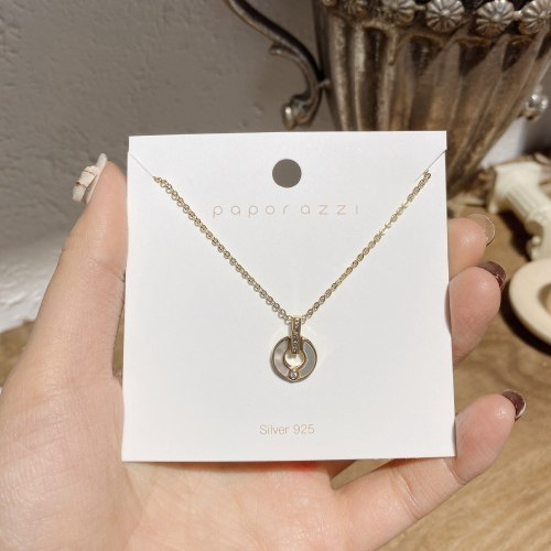 Japanese and Korean Vintage Handmade Shell Necklace Personalized Fashion Design Circle Pendant Simple Graceful Clavicle Chain